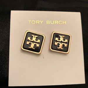 Tory Burch- resin square logo studs in black/gold